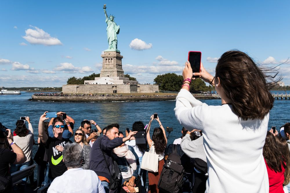 America Reports Less Tourist Arrivals from China