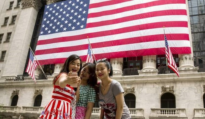 For tourists visiting Washington, the historic White House is a major attraction! However, the rhetoric coming out of the building is turning Chinese visitors away.