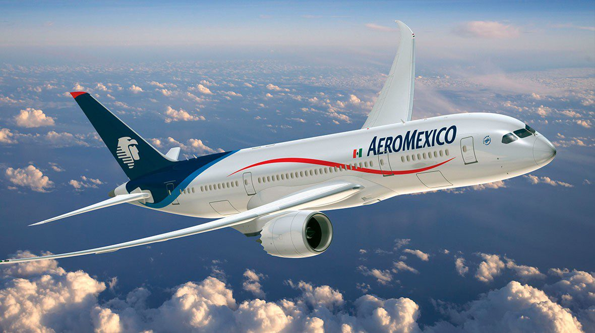 aeromexico plane in the air