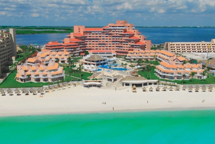 Travelers Witness the Rise of a New Cancun in Mexico