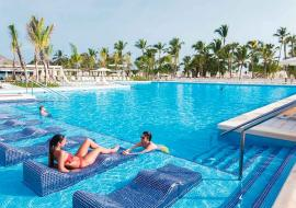 hotel swimming pool with couple